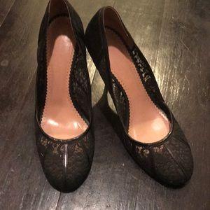 New Jill Stuart black lace and leather pumps NWOB